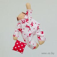 """Кукла ручной работы """"Сплюш"""" (в белой пижаме с оленями)"""