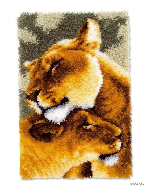 """Вышивка в ковровой технике """"Коврик. Львицы"""" (440х680 мм) — фото, картинка"""