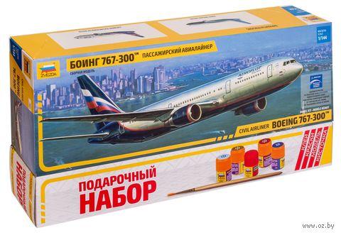 """Сборная модель """"Боинг 767-300тм"""" (масштаб: 1/144; подарочный набор) — фото, картинка"""