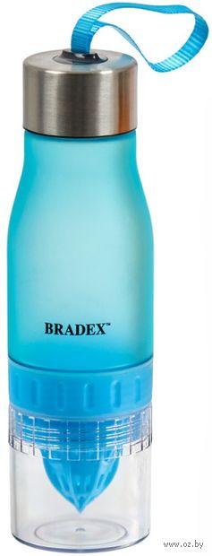 Бутылка для воды с соковыжималкой (600 мл; голубая) — фото, картинка