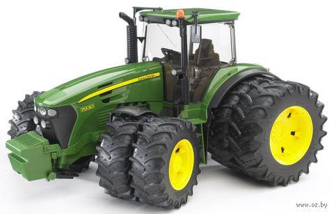 """Модель машины """"Трактор John Deere 7930 с двойными колесами"""" (масштаб: 1/16)"""