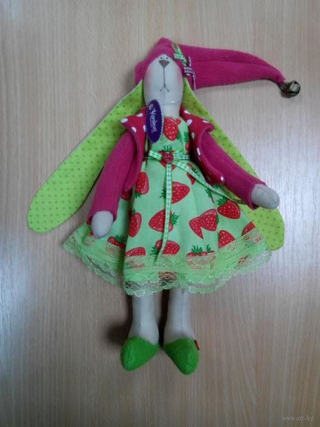 """Кукла ручной работы """"Зайчиха"""" (в длинной шапочке с бубенцом)"""