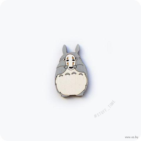 """Значок деревянный """"Тоторо с маской Безликого"""" (арт. 012) — фото, картинка"""