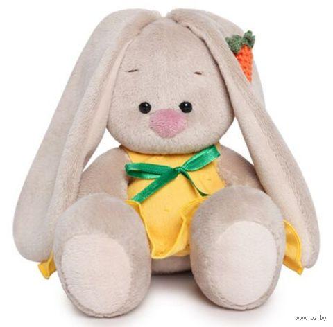 "Мягкая игрушка ""Зайка Ми в жёлтом сарафане с морковкой"" (15 см) — фото, картинка"