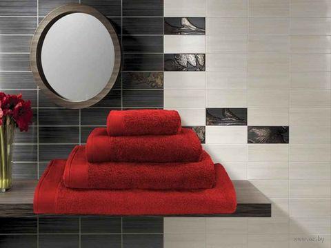 Полотенце махровое (70x140 см; красное) — фото, картинка