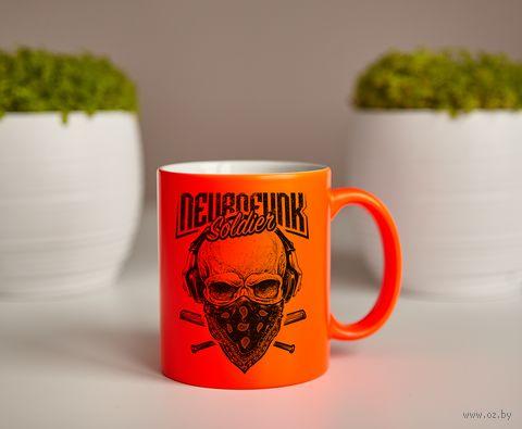 "Кружка ""Neurofunk Soldier"" (оранжевая) — фото, картинка"