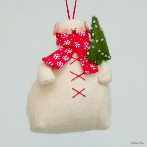 """Кукла ручной работы """"Снеговик"""" (с яркой елкой в красном шарфе)"""
